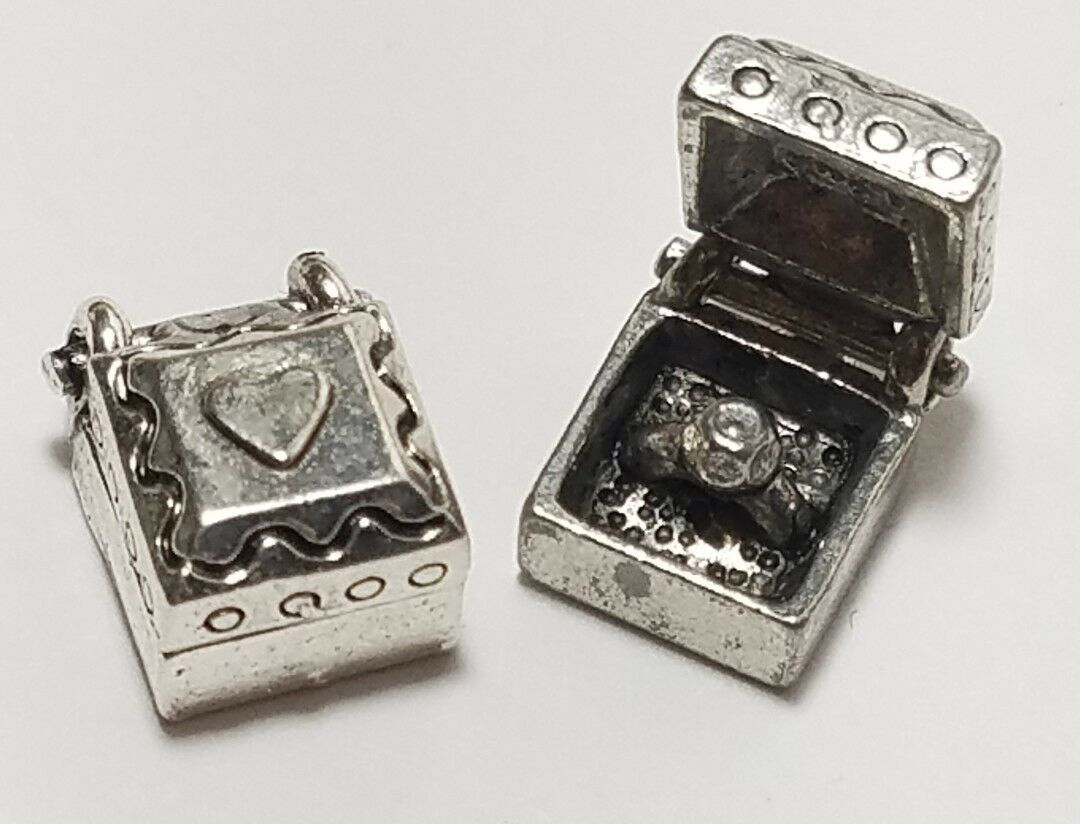 RING IN JEWELRY BOX FINE PEWTER PENDANT CHARM - 8.5x11.5x7mm