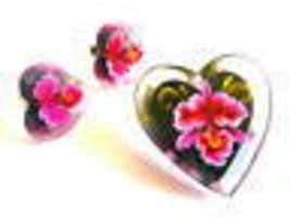 Vintage 1940s Reverse Carved Painted LUCITE Orchids & Hearts Pin & Earri... - $75.00