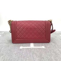 AUTHENTIC NEW CHANEL RED QUILTED LAMBSKIN MEDIUM BOY FLAP BAG GHW image 6