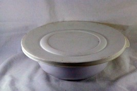 Corning Corelle White Flora 1 1/2 Qt Round Covered Casserole With Lid L-21 - $12.47