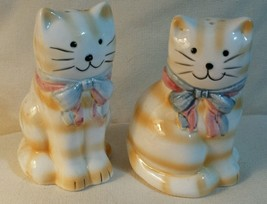 Cute Vintage YELLOW STRIPED CATS SALT & PEPPER ... - $14.85
