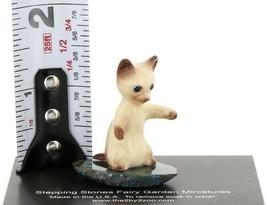 Hagen Renaker Miniature Siamese Kitten Sitting Up on Base Stepping Stones #2748 image 2