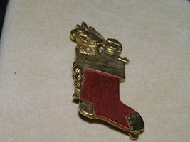 Vintage Danecraft Signed Christmas Stocking Toys Pin - $9.49