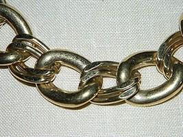 "VTG NAPIER Signed PAT. 4.774.743 Gold Tone Necklace Choker 20.5"" in Length image 2"