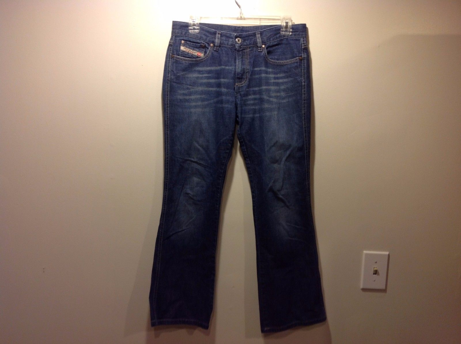 Diesel Industry Boot Cut Medium Wash Denim Blue Jeans Sz 29