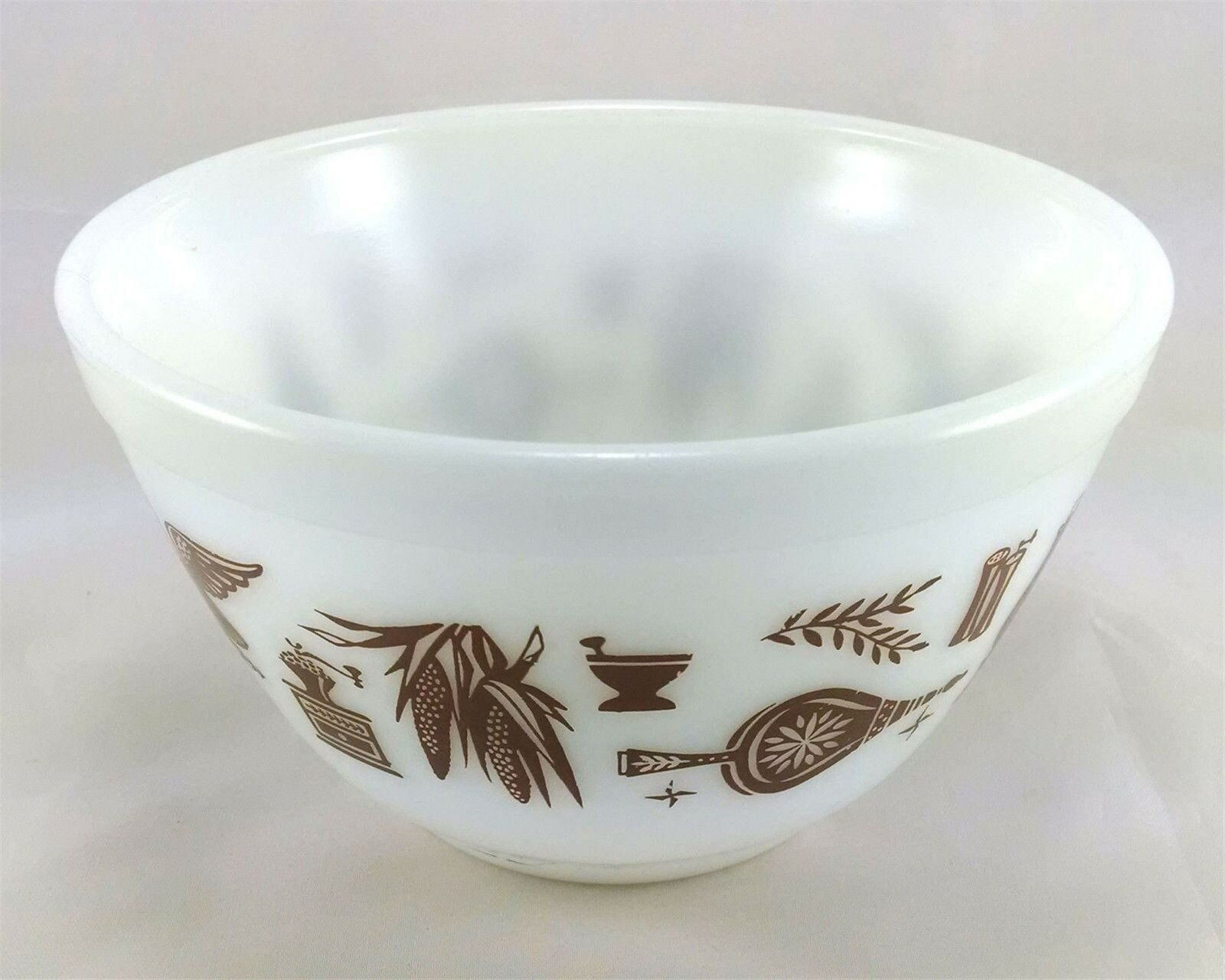 Pyrex 401 Americana 1 1/2 Pint Vintage Serving Mixing Bowl image 1