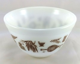 Pyrex 401 Americana 1 1/2 Pint Vintage Serving Mixing Bowl - $12.95
