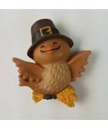 1981 Hallmark Holiday Thanksgiving Pin Flying Bird w/ Pilgram Hat  - $9.65