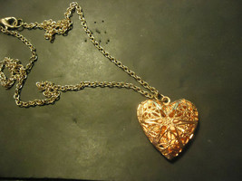HEART LOCKET NECKLACE  (14533)     >> NEW JEWELRY  - $4.95