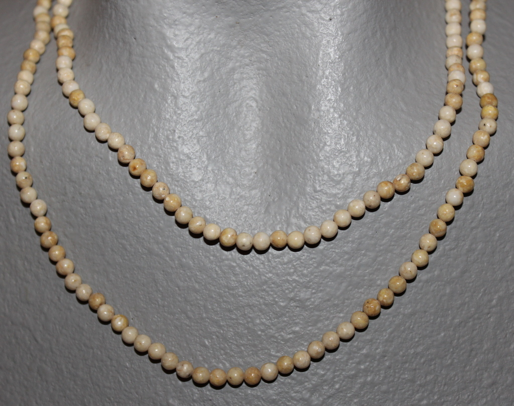 """THE TWIST BEADS ERA!  36"""" NECKLACE OF 4 MM ROUND BEADS TAN BLENDS"""