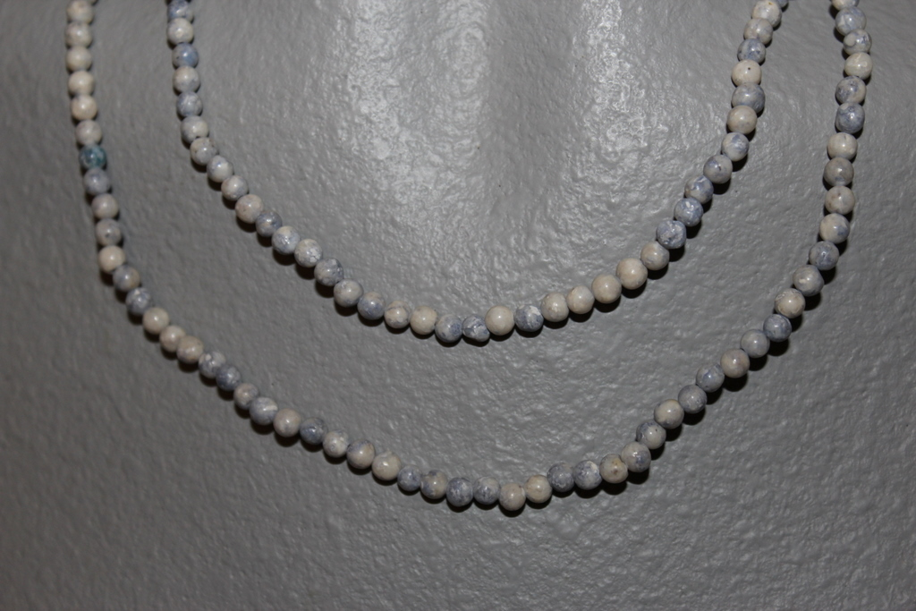 """THE TWIST BEADS ERA!  36"""" NECKLACE OF 4 MM ROUND BEADS GREY BLUE BLENDS"""