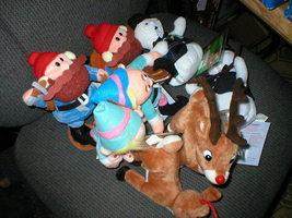 New 22 Cvs Stuffins Rudolph Island Misfit Toys 1998 99 - $600.00