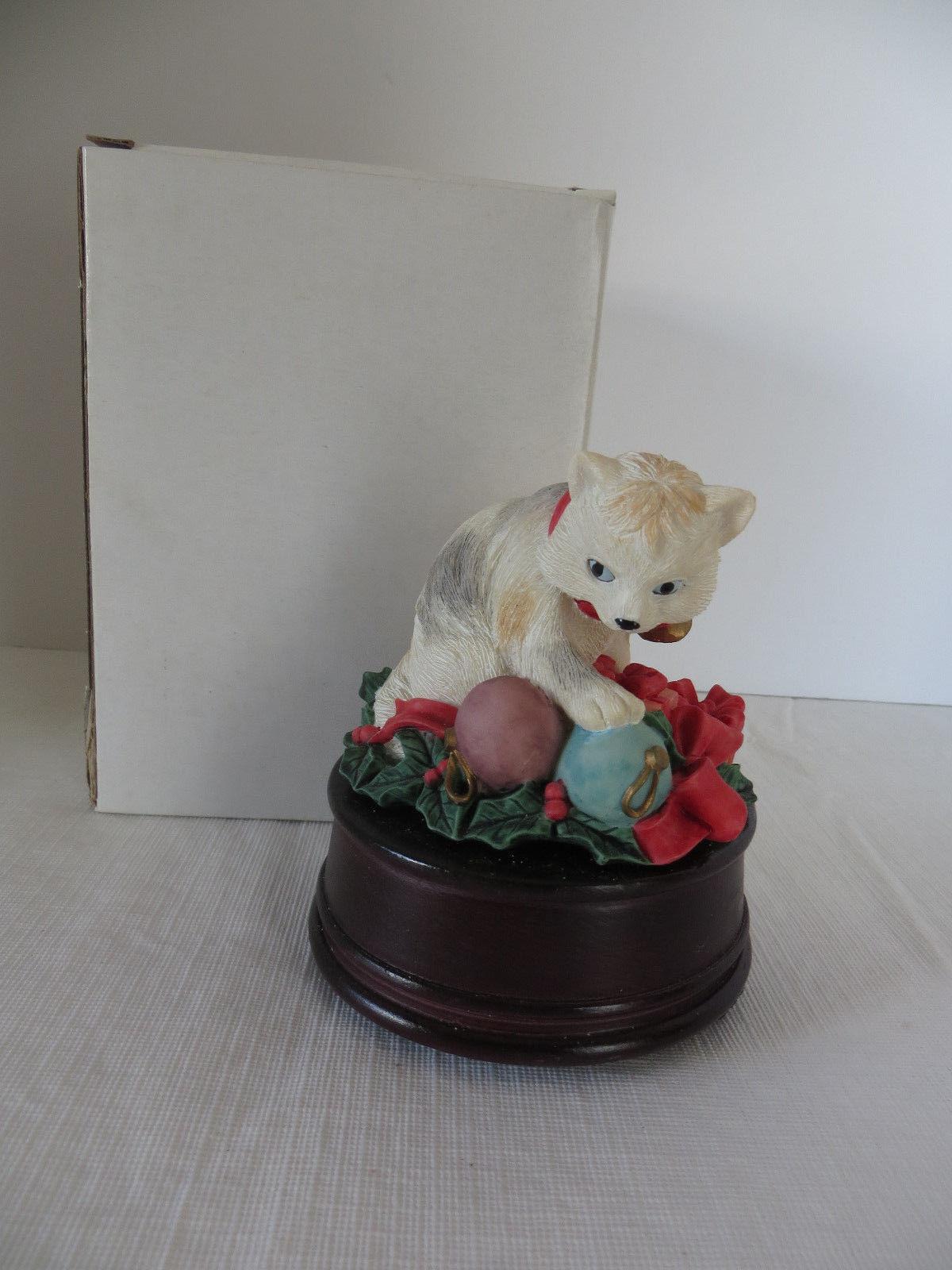 Heritage House Holiday Playmates Cat Music Box Winter Wonderland - $14.95