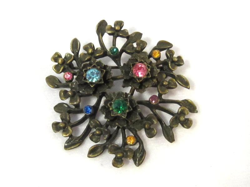 Vintage costume jewelry Rhinestones Flower Brooch