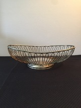 Vintage 80s Silver Plate Oval Wire Basket by International Silver Co.