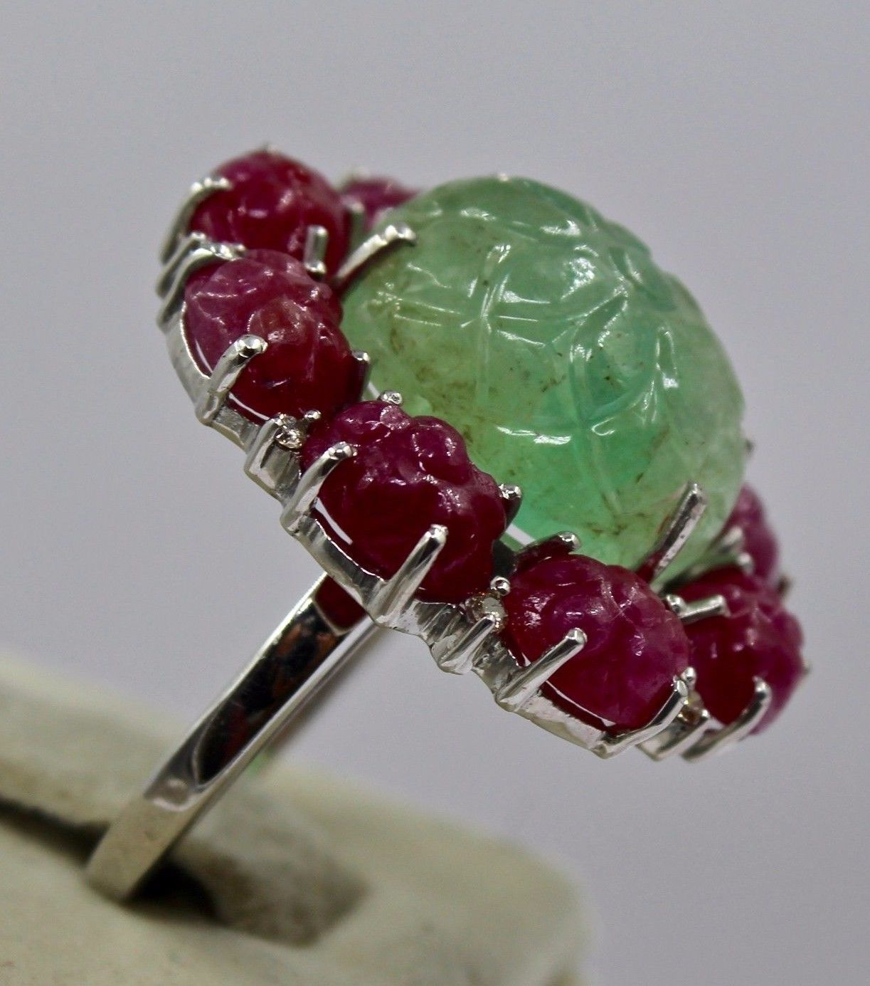 ANTIQUE NATURAL COLOMBIAN EMERALD RUBY CARVED GEMSTONE DIAMOND 925 SILVER RING