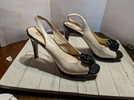 Anne Klein Slingback Heels Peep Toe Shoes Cream Black 7 1/2 M AKYELORA3 - $19.97