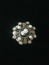 Vintage 60s Hope Chest clip on cameo earrings image 2