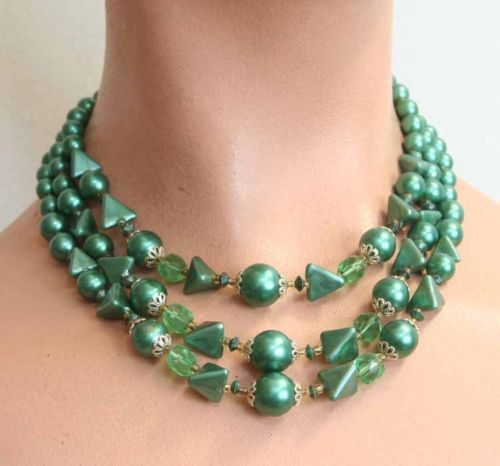 Primary image for Art Moderne 60s Green Cut Glass & Plastic Necklace