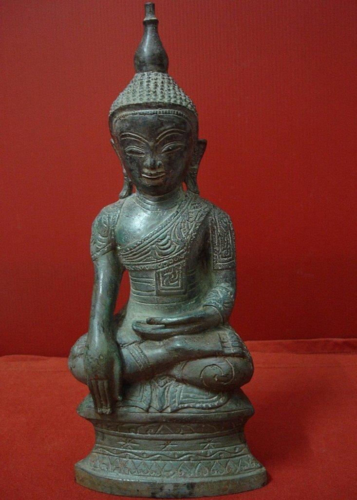 Southeast Asian Vintage Antique Burmese/Shan Seated Buddha Statue