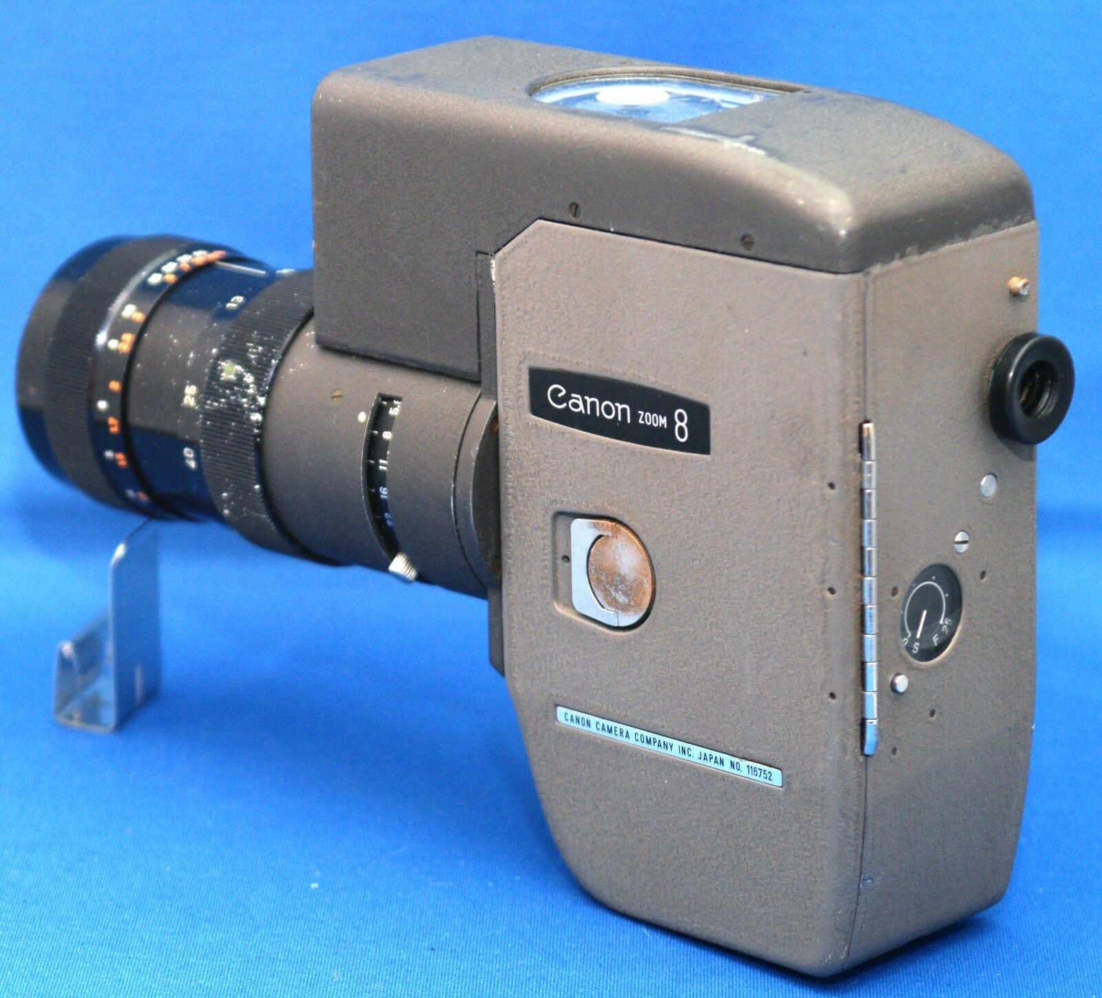 CANON Zoom 8 Vintage Movie Film Camera C-8 10-40mm f/4 Lens JAPAN  - AS IS