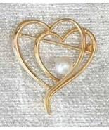 Elegant Krementz Faux Pearl Golden Hearts Brooch 1950s vintage - $24.70