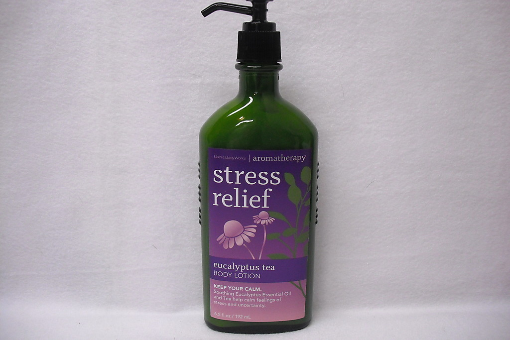 Bath & Body Works Aromatherapy Stress Relief EUCALYPTUS TEA Body Lotion 6.5 oz