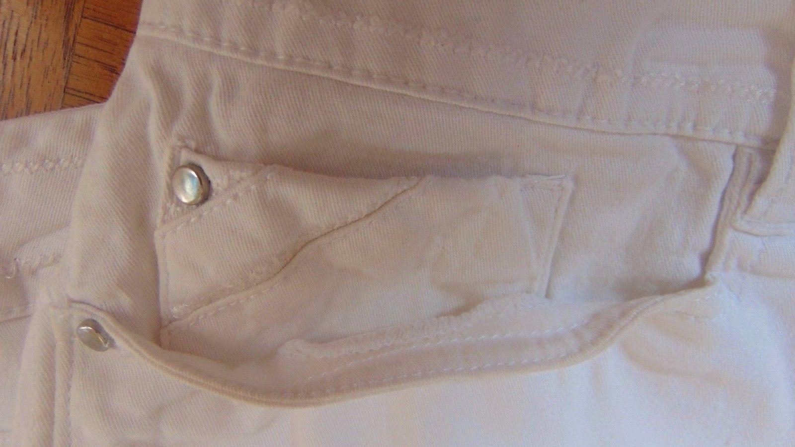 Shorts Burmudas Walking Dressbarn-Size 16-4 Pockets Belt Loops-Silver Brads---32