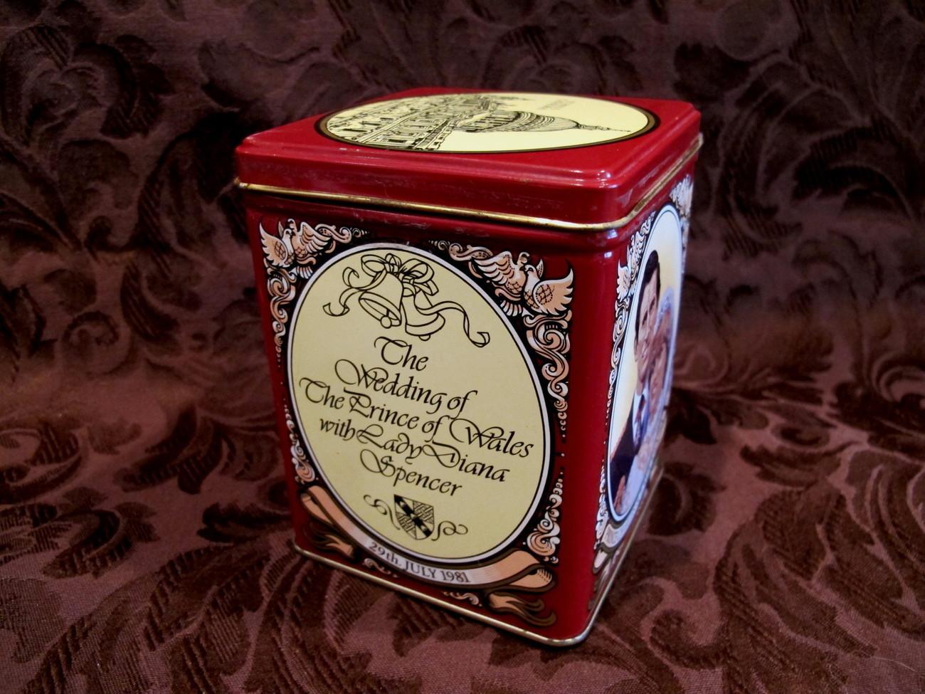 Prince Charles Lady Diana Royal Wedding Tea Tin Can Vintage Souvenir Collector
