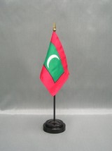 "MALDIVES 4X6"" TABLE TOP FLAG W/ BASE NEW DESK TOP HANDHELD STICK FLAG - $4.95"