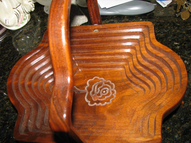 Retro Wooden Collapsible Folding Basket with Handle and Embossed Rose inside