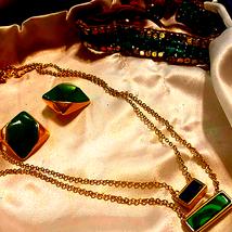 Beautiful Vintage Jewelry Set - $21.78