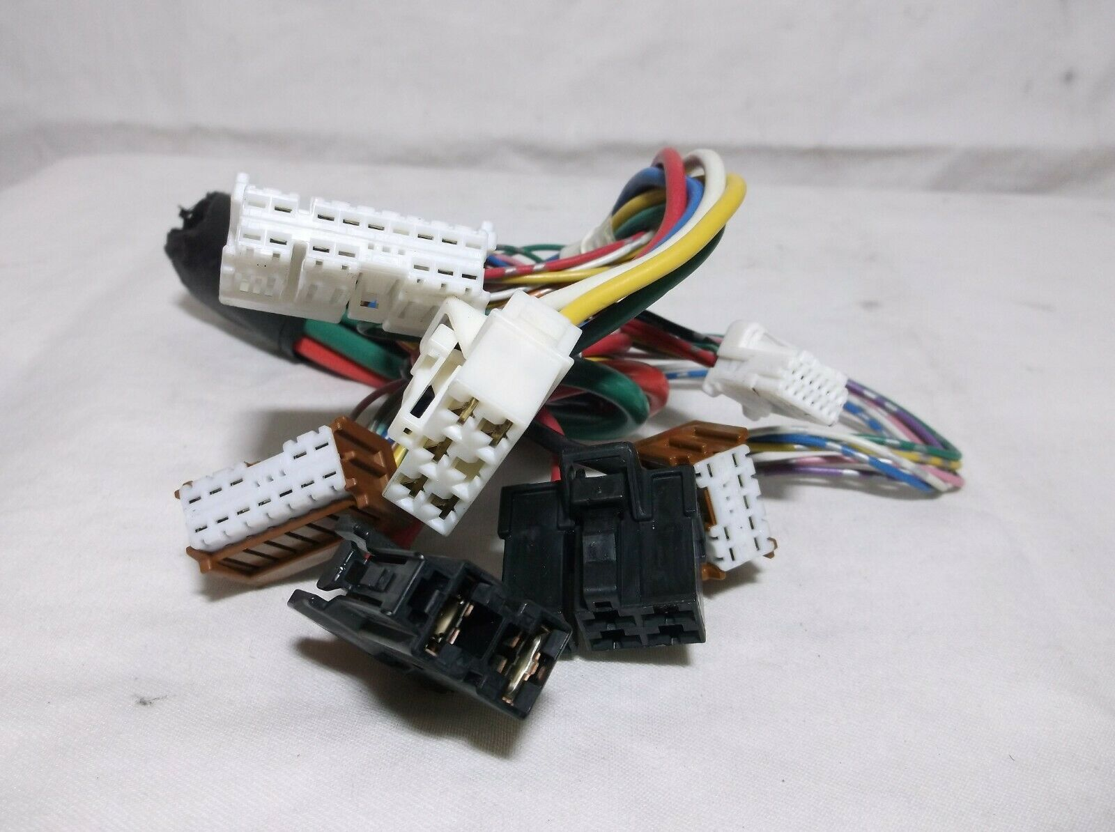 07 08 09 10 11 nissan versa fuse relay box harness wires. Black Bedroom Furniture Sets. Home Design Ideas