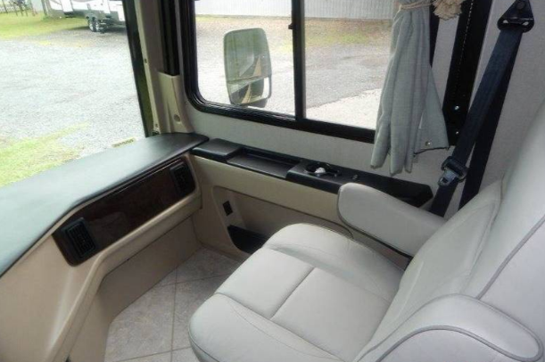 2015 HOLIDAY RAMBLER AMBASSADOR 38DBT For Sale In Nelsonville, OH 45764