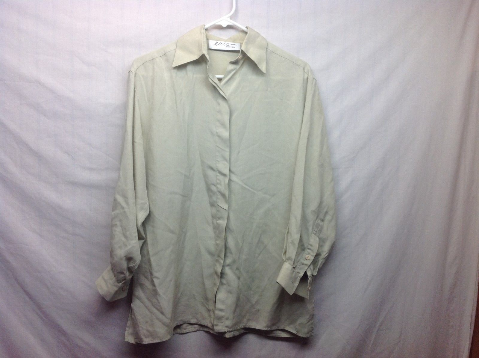 Eric New York Ladies Lt Green Collared Button Up Blouse