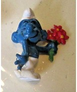 Vintage SMURFS Smurf with flower mini PVC Figure toy - $5.99