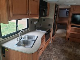 2013 Fleetwood Bounder Classic 34B FOR SALE IN Cartersville, Georgia 30120 image 9
