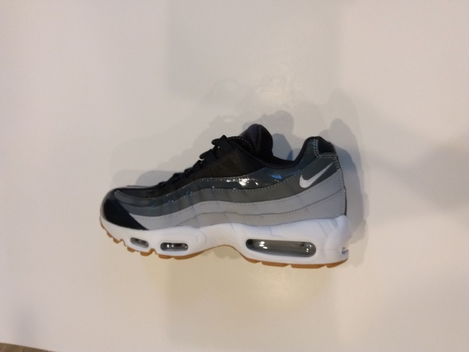 buy popular 22e30 97bd2 Nike Air Max 95 Womens Size10 Running Shoe and 15 similar items. 57