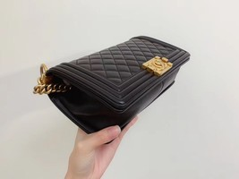 AUTHENTIC CHANEL LE BOY BLACK QUILTED LAMBSKIN MEDIUM FLAP BAG GHW image 5