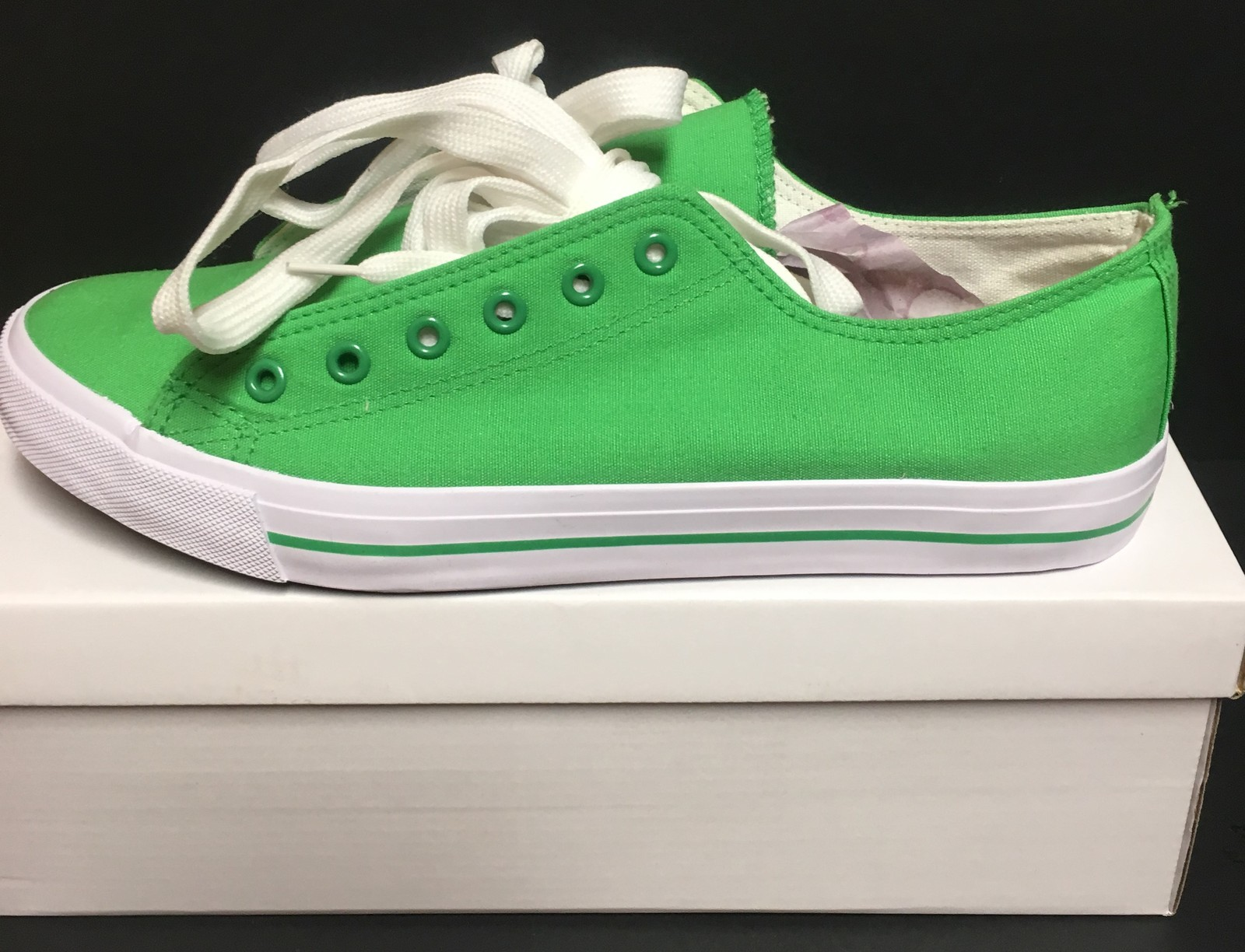 Custom School Kicks Canvas Tennis Shoes Unisex 10/11.5 Lime Green NIB image 4