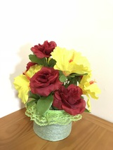 Red Roses Silk Arrangement Centerpiece/Artificial Floral Arrangement Decor Gift  - $16.00