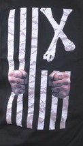 Dissizit! Uomo Nero Gratuito Paese Prigione Barre American Cross Bones T-Shirt image 2
