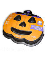 Pumpkin Cake Pan Non-Stick Wilton Halloween Jackolantern Face Baking Met... - $14.50