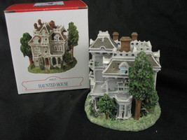 Liberty Falls Collection Haunted House  Handpainted Americana Figurine A... - $9.84