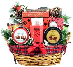 Gift Basket Village An Old Fashioned Christmas Gift Basket - A Tradition... - $133.41