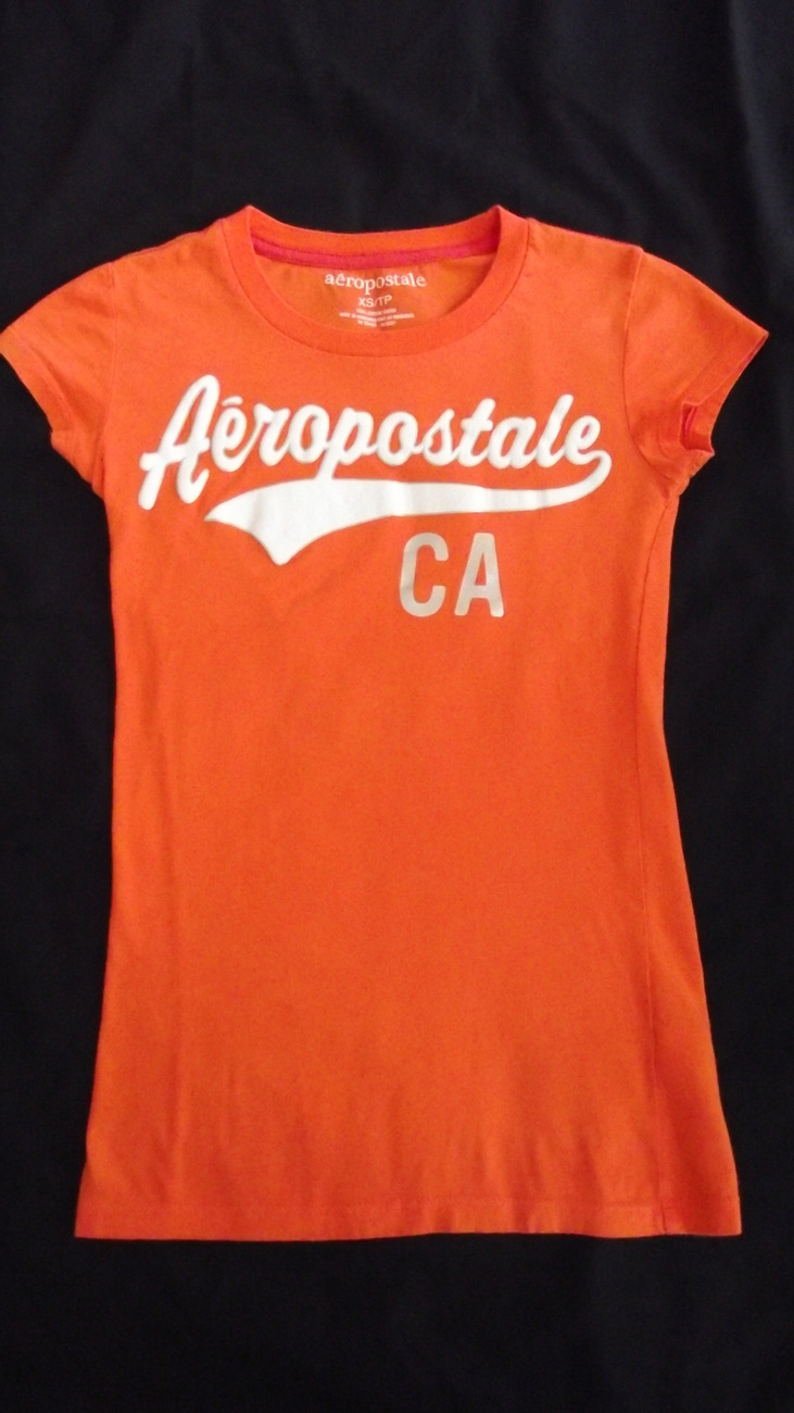 Junior girls/womens size xsmall Areopostale t-shirt