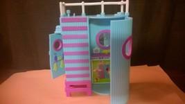 Polly Pocket (Lea Splashing Fashion Lifeguard Tower Only) - $7.50