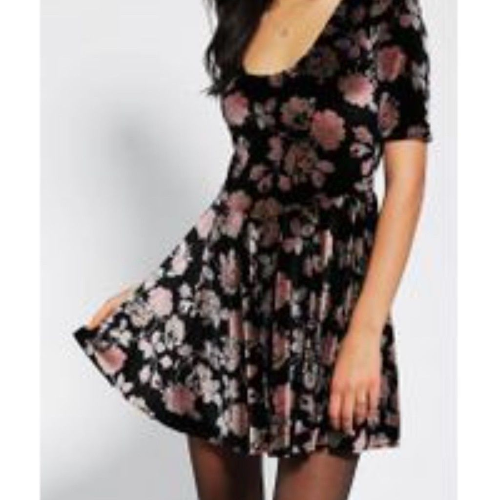 12af682cb297 S l1600. S l1600. Previous. Urban Outfitters Kimchi Blue Floral Lush Velvet  Skater Dress Size Medium · Urban Outfitters ...