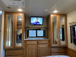 2016 Winnebago Vista LX WFE30T for sale by Owner - Todt hill, NY 10314 image 13
