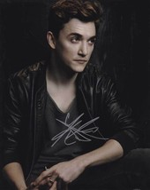Kyle Gallner In-Person AUTHENTIC Autographed Photo COA SHA #38546 - $60.00